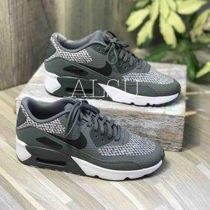 quality design f6e75 74597 Women's Nike Air Max Sneakers | Poshmark